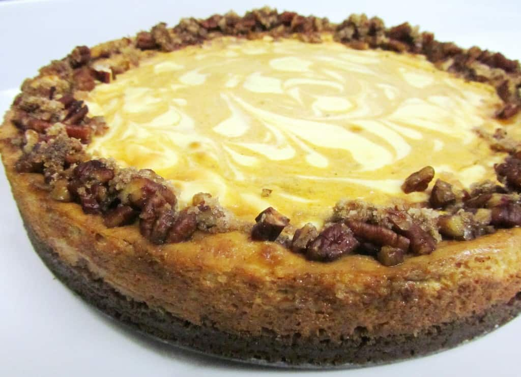 Pumpkin Swirl Cheesecake | The Spiffy Cookie