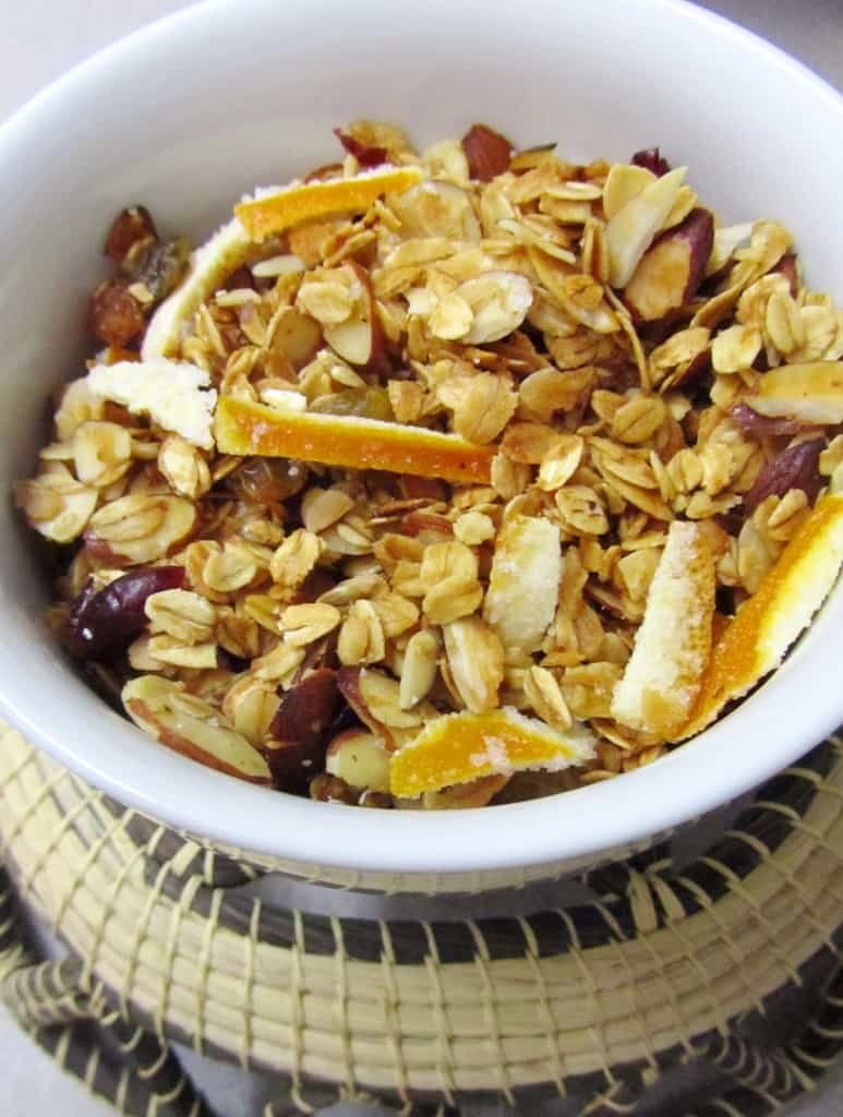 Cranberry and Orange Granola | The Spiffy Cookie