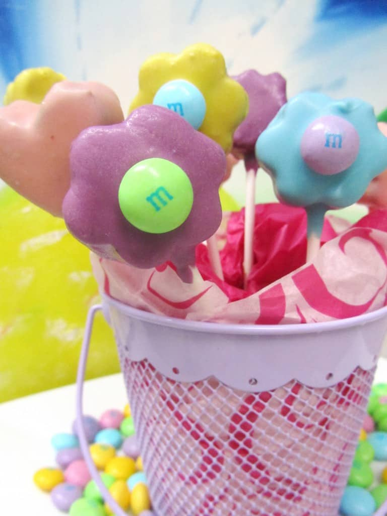 Flower Bouquet Cake Pops | The Spiffy Cookie