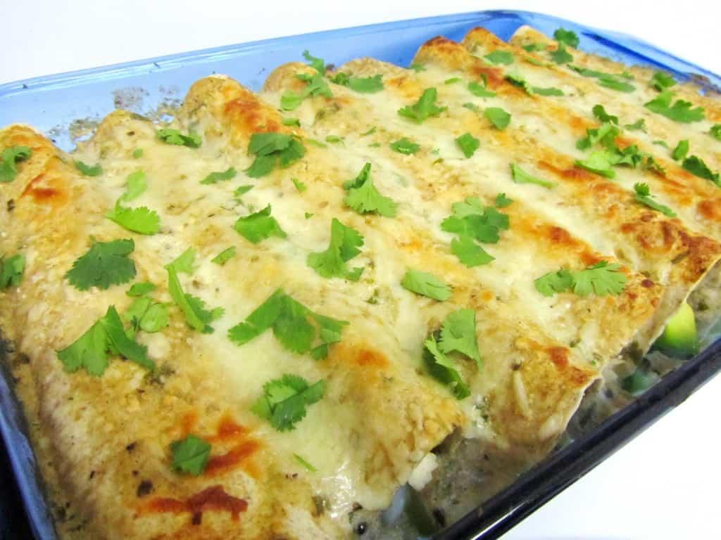 Spicy Avocado Chicken Enchiladas | The Spiffy Cookie