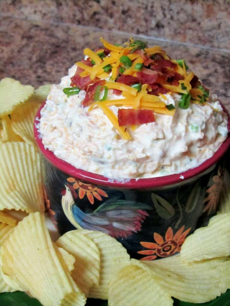 Loaded Baked Potato Dip | The Spiffy Cookie