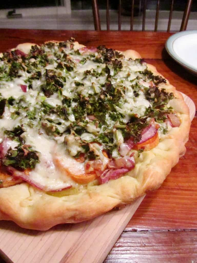 Sweet Potato Kale Pizza with Rosemary & Red Onion | The Spiffy Cookie