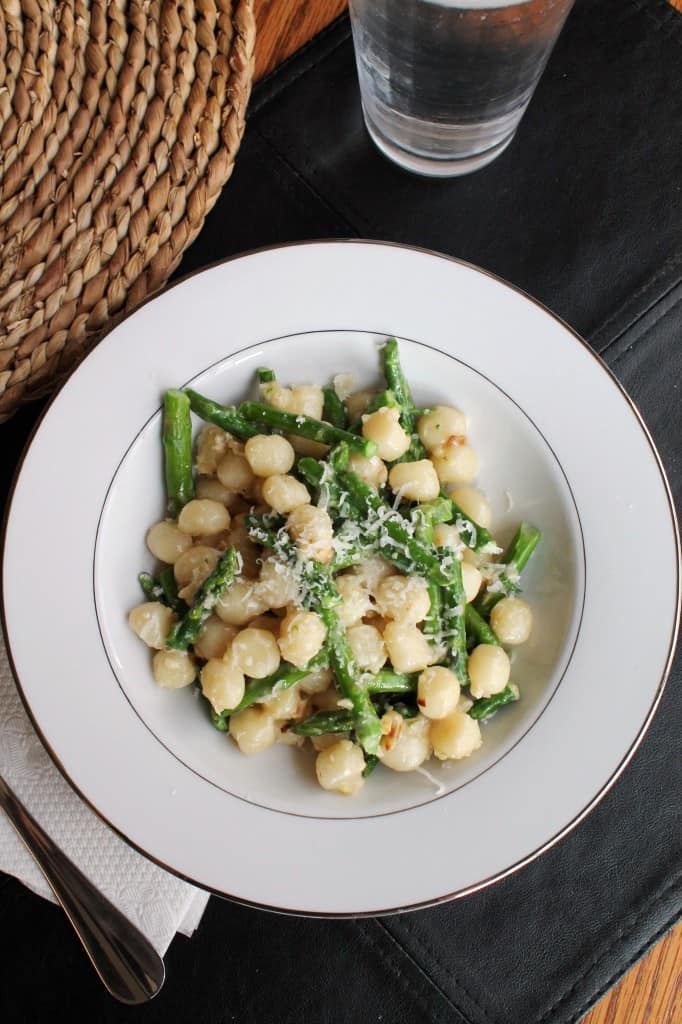 Gnocchetti with Asparagus and Garlic-Gorgonzola Sauce 1
