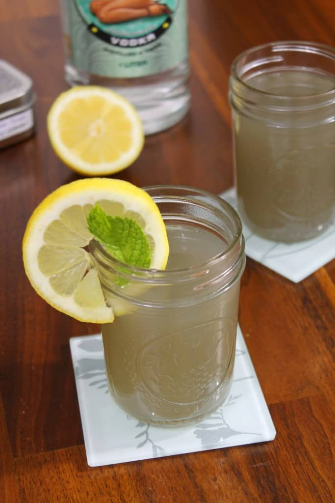 Lavender Vodka Lemonade 1