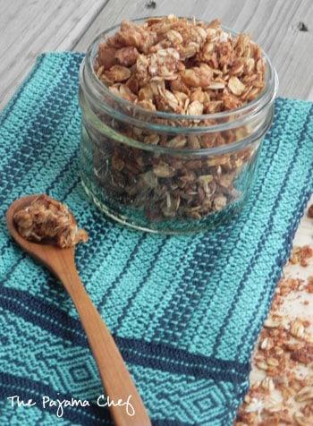 cinnamon-applesauce-granola
