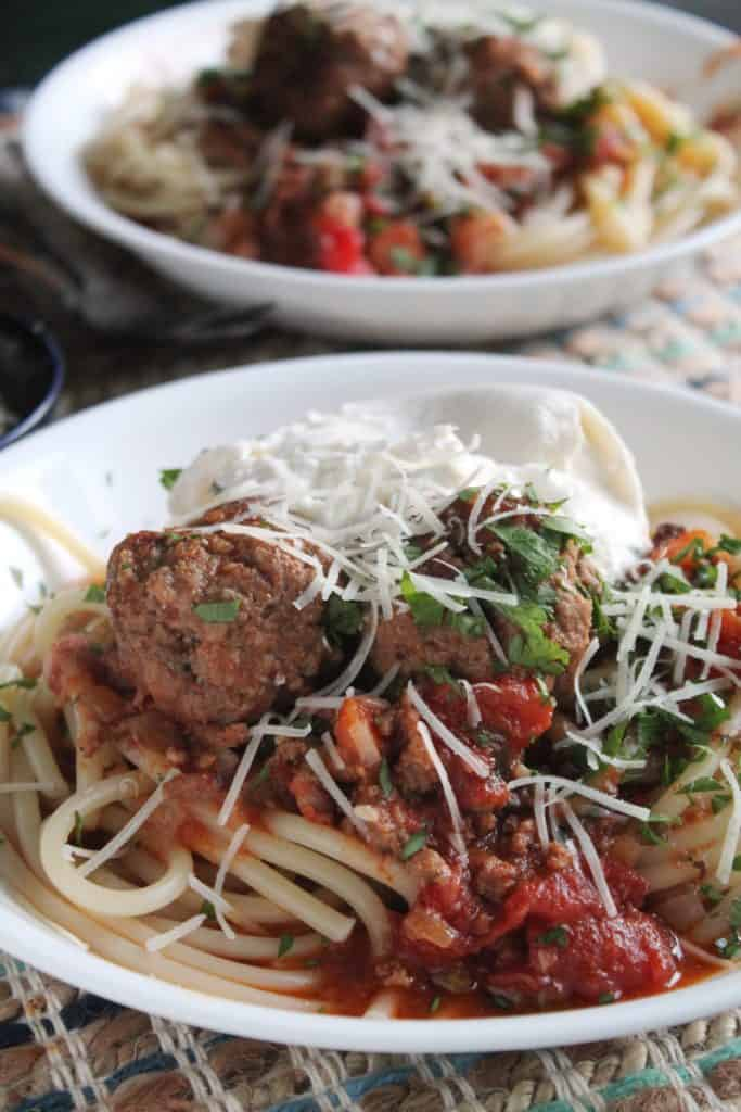 Slow Cooker Bolognese with Meatballs 3