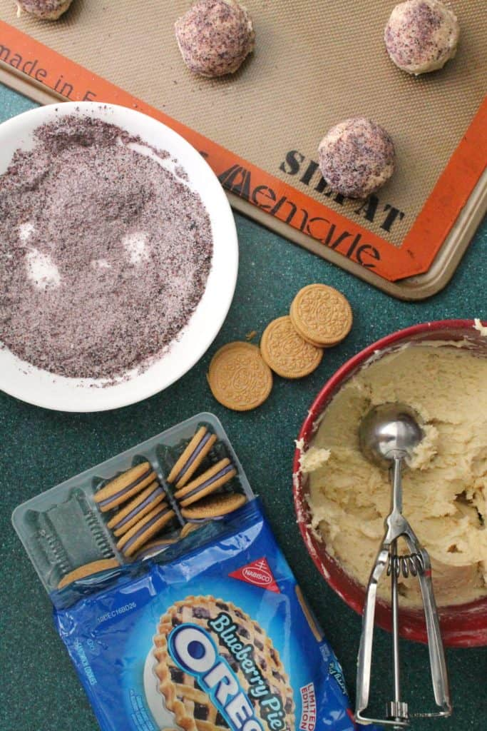Stuffed Blueberry Pie Oreo Cookies 2