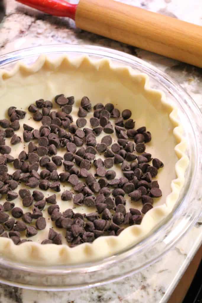 Kentucky Derby Chocolate Walnut Pie | The Spiffy Cookie