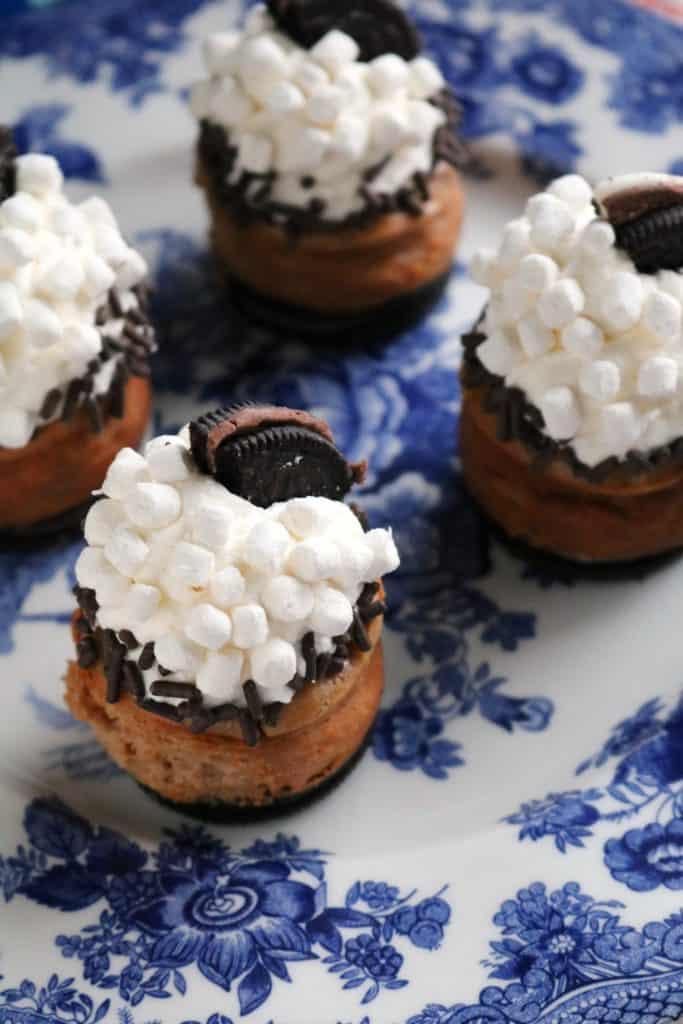 Mini Hot Cocoa Oreo Cheesecakes 2
